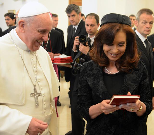 Francisco junto a la Presidenta Cristina Kirchner - Foto: Presidencia