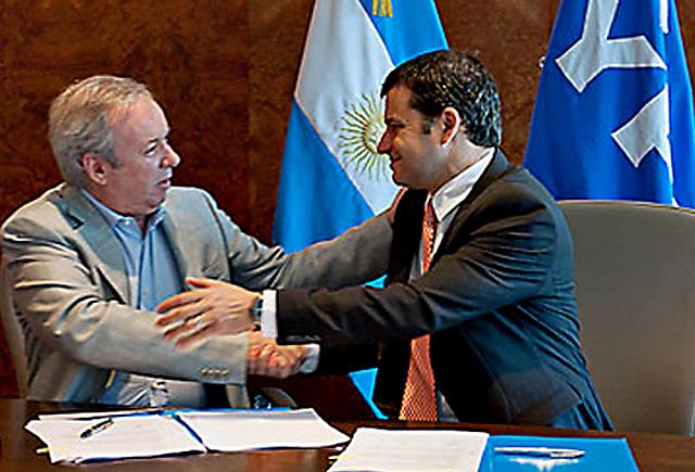 Peralta acordó con Galuccio e YPF aceptó aceptar la Ley aprobada en la provincia con aumento de alícuota de IB