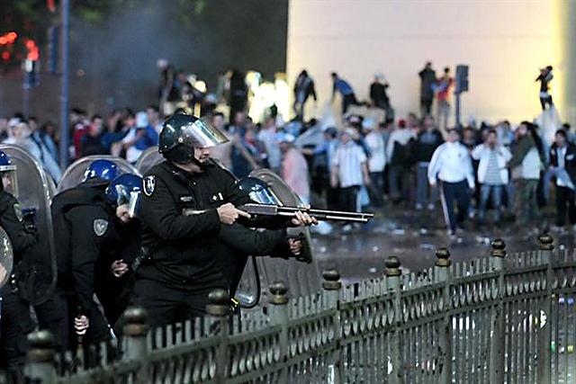 Unos 60 detenidos por la violencia, los robos y los destrozos en el Obelisco