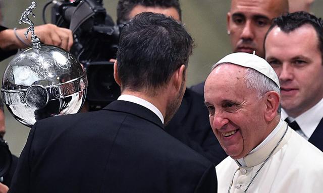 """El Papa recibió a San Lorenzo: """"Son parte de mi identidad cultural"""""""