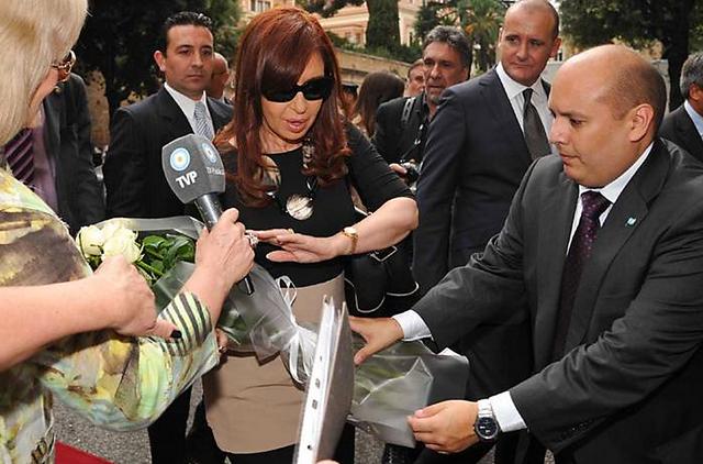 Cristina llegó a Roma para almorzar mañana con el Papa