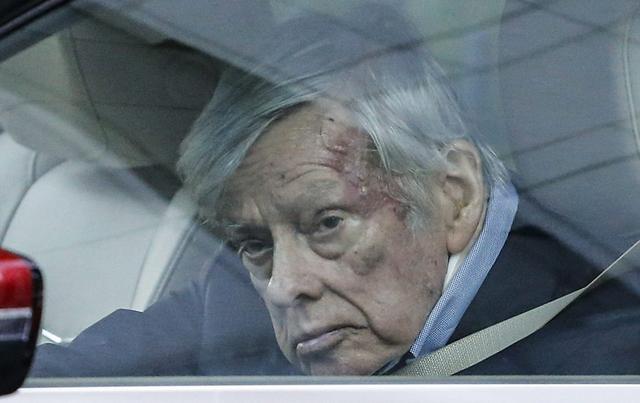 El juez Thomas Griesa ordena a la Argentina reponer al Bank of New York Mellon, remover a Nación Fideicomisos y pagar a los acreedores