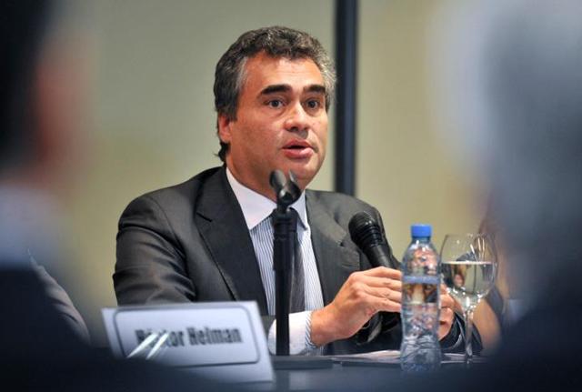 Vanoli dejó muchas dudas, pero avanza el dictamen en el Senado
