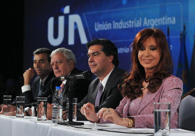 Ante la presión gremial, Cristina eximió de Ganancias al aguinaldo - Foto: Presidencia