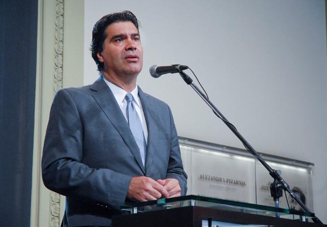 Capitanich justificó el uso de la cuenta oficial de la Rosada a Máximo y Hotesur