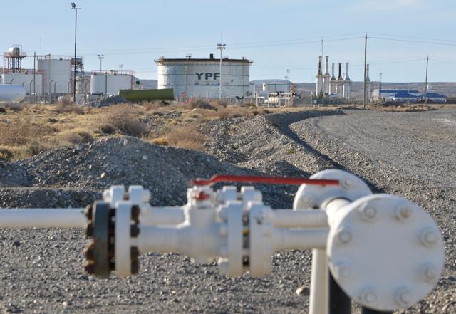 Petroleros de Chubut, Santa Cruz y Neuquén siguen negociando. Cuarto intermedio y dudas políticas
