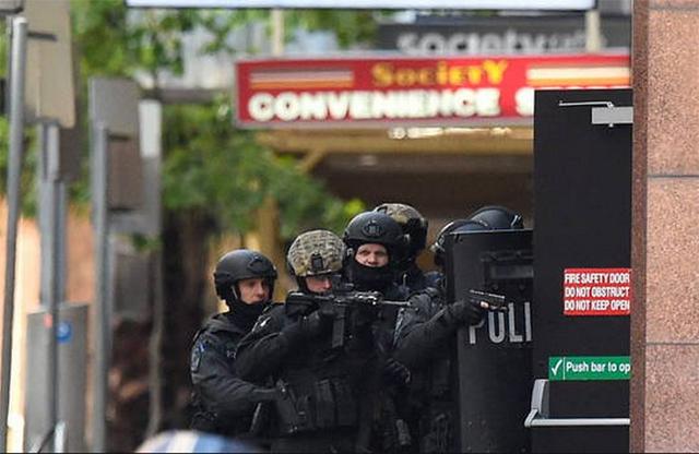 Más de trece horas de secuestro y terror en un café de Sidney