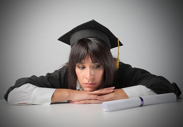 Por la recesión, aumenta el desempleo entre los jóvenes