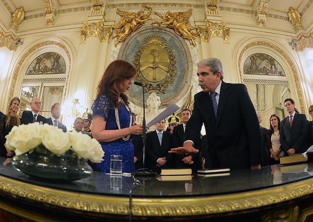 En su primer día como jefe de Gabinete, Aníbal Fernández se postuló a la Presidencia
