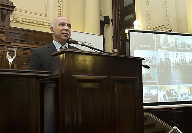 """El Poder Judicial debe poner límites"", respondió Lorenzetti"