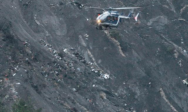 Tragedia aérea en los Alpes: hay dos argentinos entre los 150 muertos