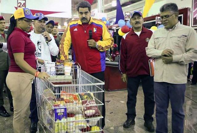 Venezuela instala 20.000 captahuellas para limitar venta de alimentos en supermercados