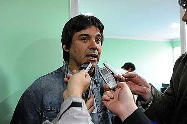 En una camioneta comprada por Fomicruz, Raúl Gómez robó en la casa de un periodista de Pico Truncado - Foto: Noticias Austral