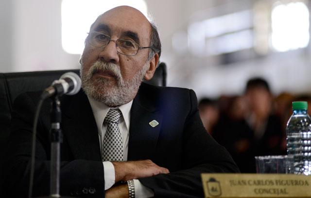 El Concejal Juan Carlos Figueroa puso a su hija como empleada del HCD, pero la chica vive en Córdoba