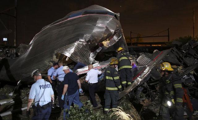 Descarriló y volcó un tren en Filadelfia: al menos seis muertos y 50 heridos