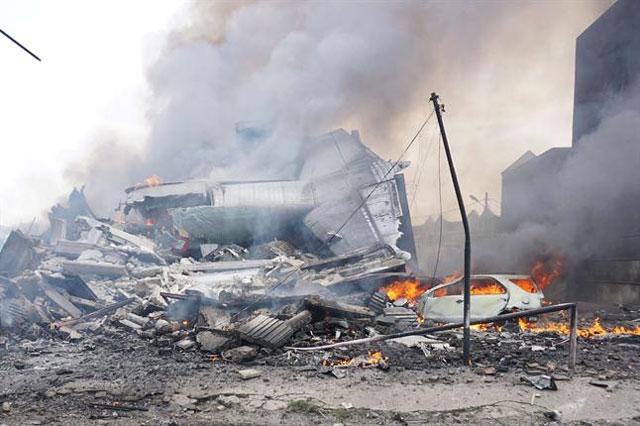 Se cayó un avión militar en Indonesia y no hay sobrevivientes