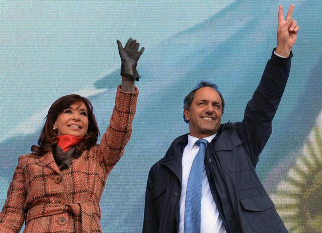Cristina y Scioli buscan capitalizar el giro de Macri en su discurso