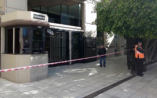 """Casquillos y piedrazos en el edificio de Lanata. La banda sigue tocando y el efecto """"Nisman"""" está presente"""