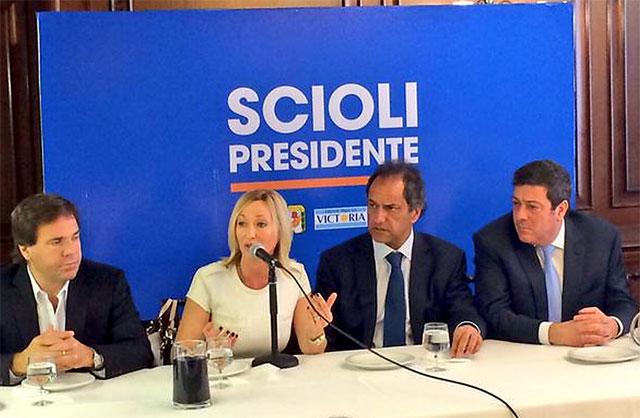 Mónica López, candidata de Massa, llamó a votar por Scioli en primera vuelta