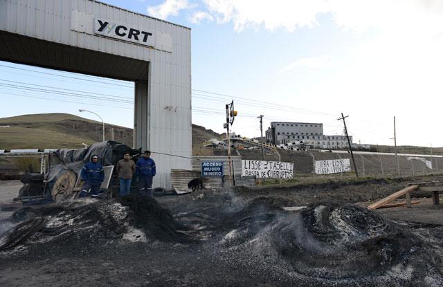 Se profundiza el conflicto en YCRT paro por 72 hs, pedidos de renuncias y Julio De Vido sin respuestas