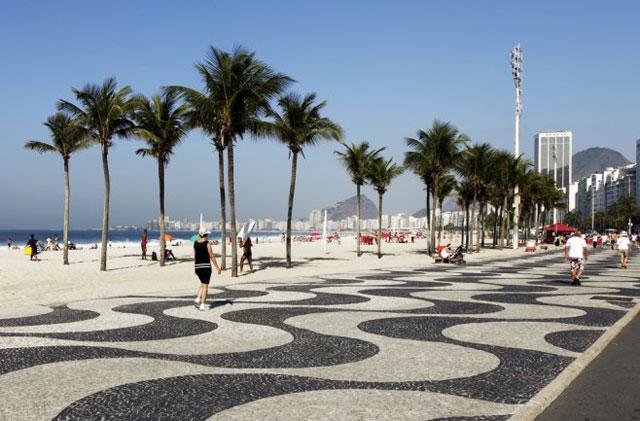 Asesinan a una mujer argentina en la playa de Copacabana