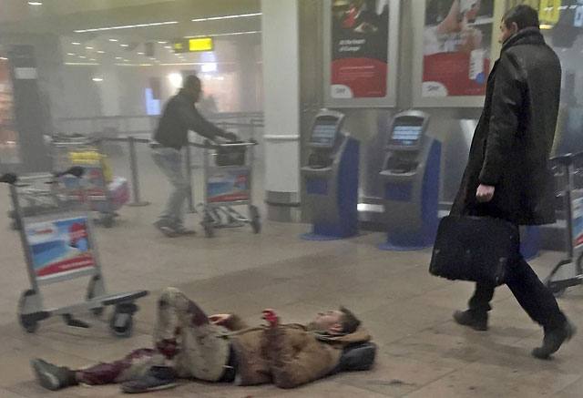 Europa, desconcertada y en alerta máxima tras el ataque de EI en Bélgica