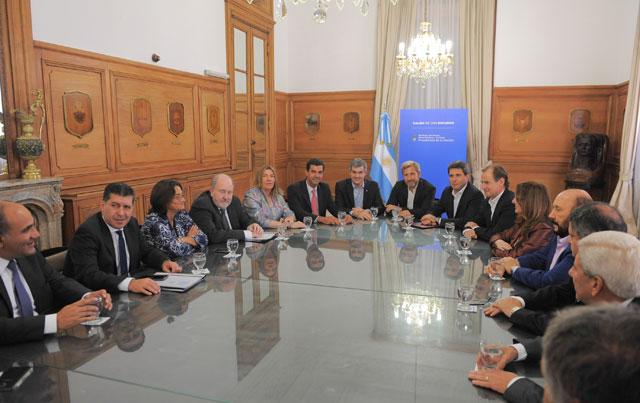 Frigerio condicionó el financiamiento y pidió apoyo a las provincias