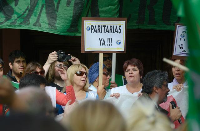 Gremios movilizaron en Río Gallegos en el primer día de paro de ADOSAC, CTA-A, Judiciales y ATE