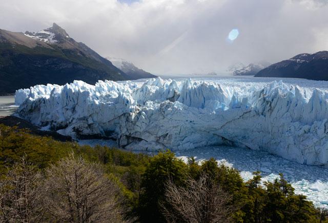 El Glaciar Perito Moreno está a días de una colosal ruptura