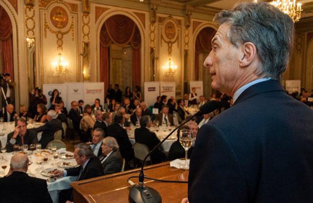Macri pide a los empresarios por el empleo y la inversión