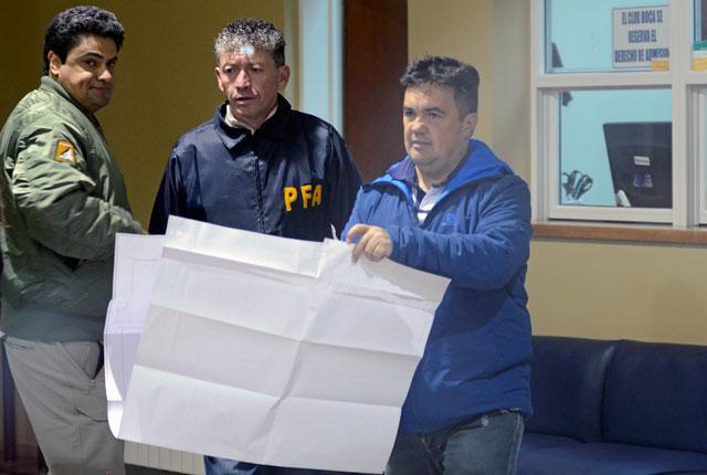 Diferentes allanamientos se realizaron en las propiedades de la familia Báez en Río Gallegos – Foto: OPI Santa Cruz/Francisco Muñoz