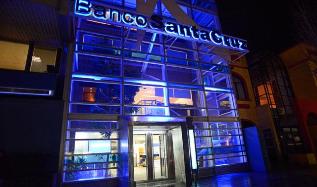 La casa matriz del Banco Santa Cruz en Río Gallegos – Foto: OPI Santa Cruz/OPI Santa Cruz