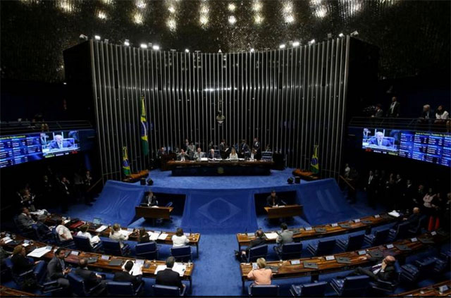 El Senado de Brasil superó la penúltima etapa para destituir a Dilma