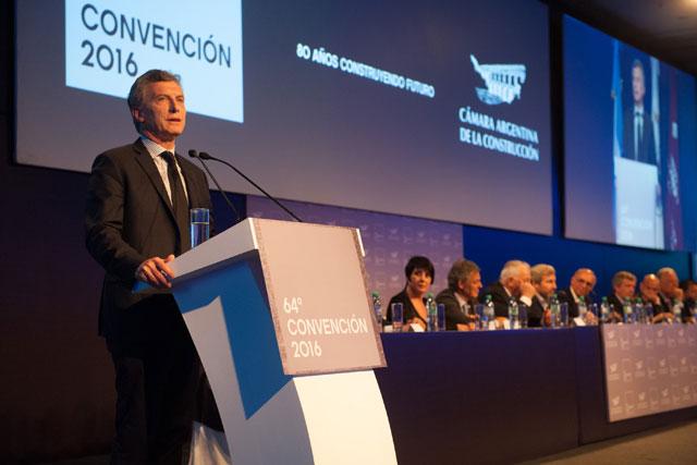 Macri reclamó un mayor compromiso a los empresarios