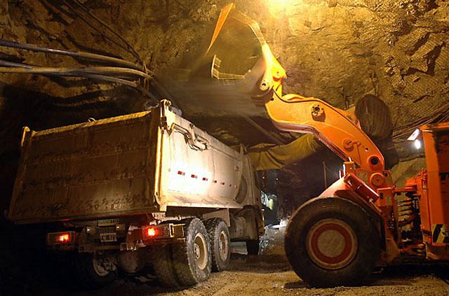 Los mismos que se quejan hoy, alimentan las mentiras de las mineras y son cómplices del gobierno