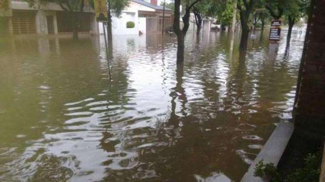 Hay 200 evacuados en Pergamino por las lluvias y el desborde de un arroyo