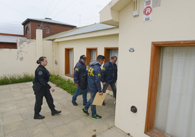 Dos allanamientos se producen en Río Gallegos por orden del Juez Bonadío