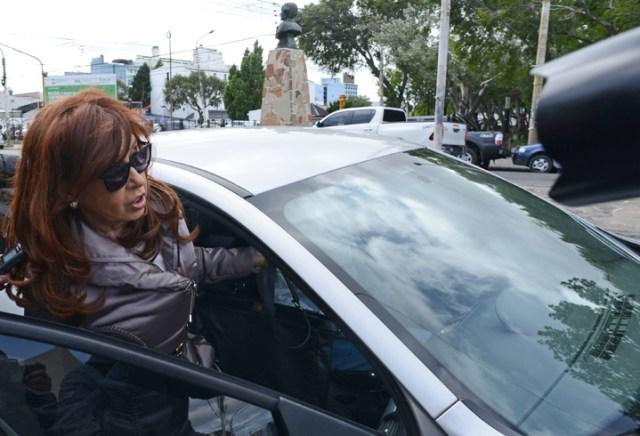 Cristina desnuda. Ordinaria, autoritaria y sin autoridad, raleada por los verdaderos peronistas