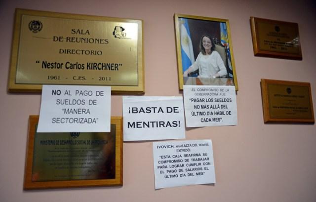 Jubilados de Santa Cruz tomaron la Caja de Previsión Social exigiendo pago de haberes