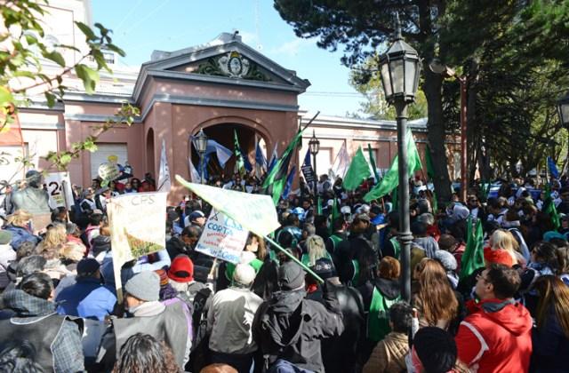 Unas 7 mil personas movilizaron en Río Gallegos con la CTA-A
