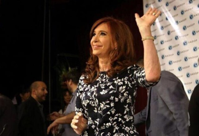 "Cristina pidió unidad e insinuó que no será candidata: ""Me excluyo"""