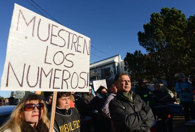 La situación social sigue compleja en Santa Cruz. Ahora se suman los municipales
