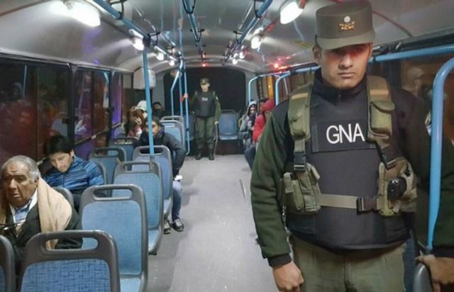 Córdoba: en el octavo día sin transporte, ponen un servicio de emergencia