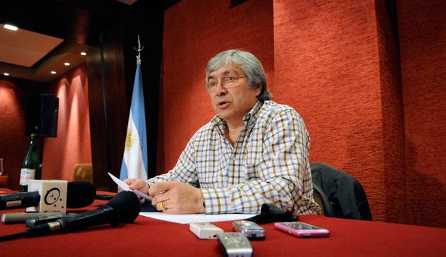 El empresario Lázaro Báez en conferencia de prensa - Foto: OPI Santa Cruz/Francisco Muñoz