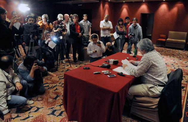 """Lázaro Báez el viernes en """"conferencia"""" de prensa - Foto archivo: OPI Santa Cruz/Francisco Muñoz"""