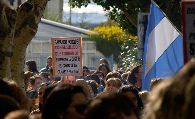 El gremio de Adosac decidió paro por tiempo indeterminado – Foto: OPI Santa Cruz/Francisco Muñoz