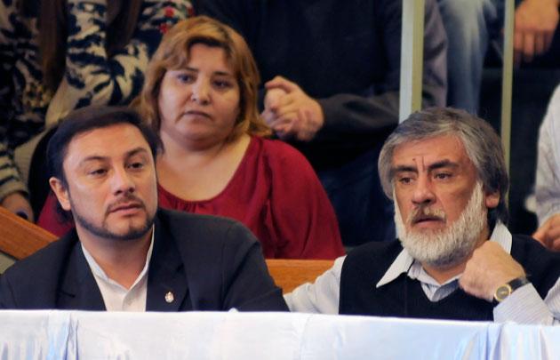 El Intendente de Las Heras Teodoro Camino junto a José Córdoba Intendente de Caleta Olivia - Foto: OPI Santa Cruz/Francisco Muñoz