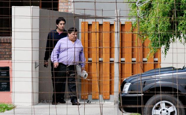 Rudy Ulloa al salir de la residencia de la Presidenta en Río Gallegos – Foto: OPI Santa Cruz/Francisco Muñoz