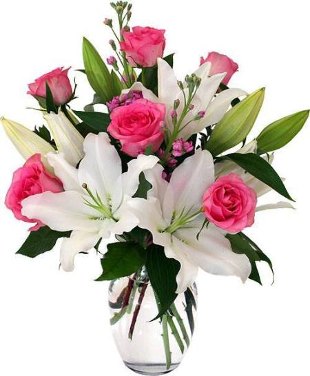 Buchet de crini albi și trandafiri roz (livrarefloribucuresti.ro)