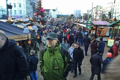 Weihnachtsmarkt Santa Pauli auf der Reeperbahn in Hamburg
